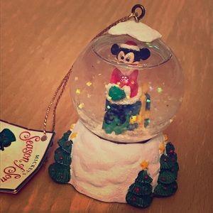 Disney Minnie Mouse Snow Globe Ornament